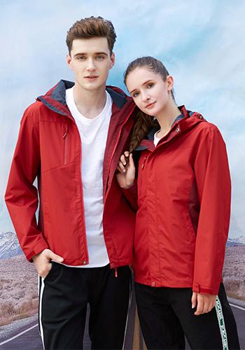 万博mantex手机登录红色二合一防风防水保暖透气冲锋衣